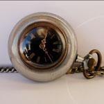 montre gousset femme, montre sautoir ,montre pendentif ancienne, montre authentique, montre suisse , perles du temps